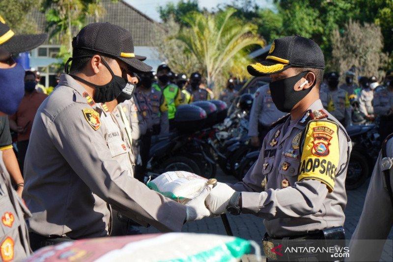 Polres Lombok Tengah menyalurkan bantuan 3,5 ton beras