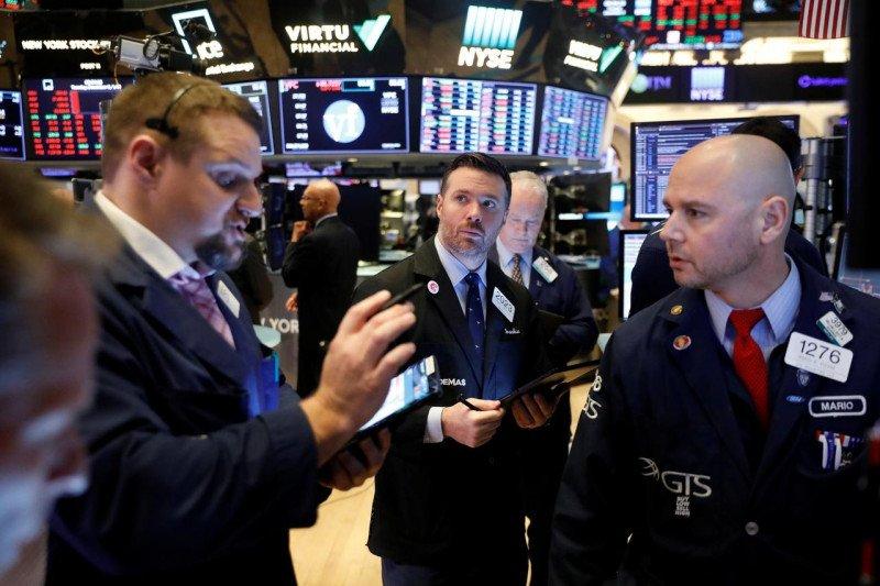 Wall Street dibuka tergelincir di tengah kerusuhan