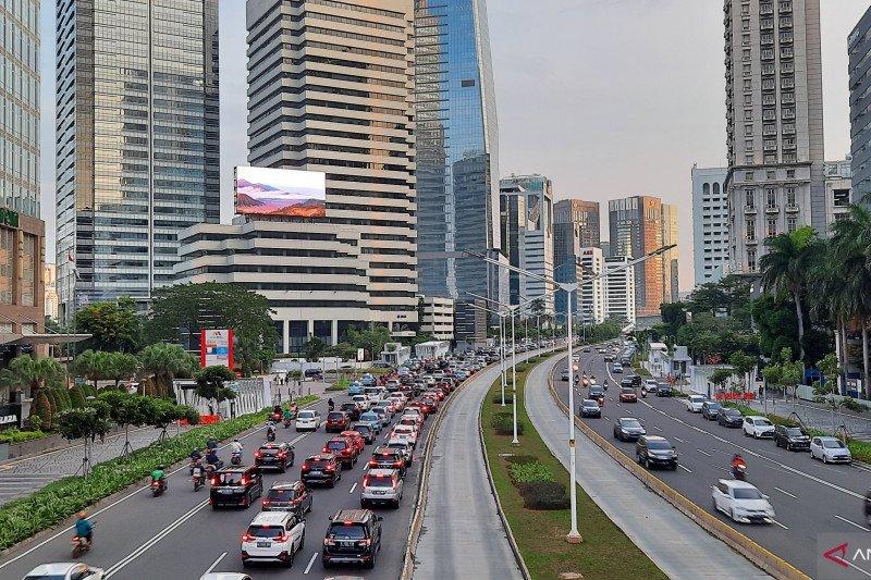 Kawasan Sudirman Jakarta kembali padat saat New Normal