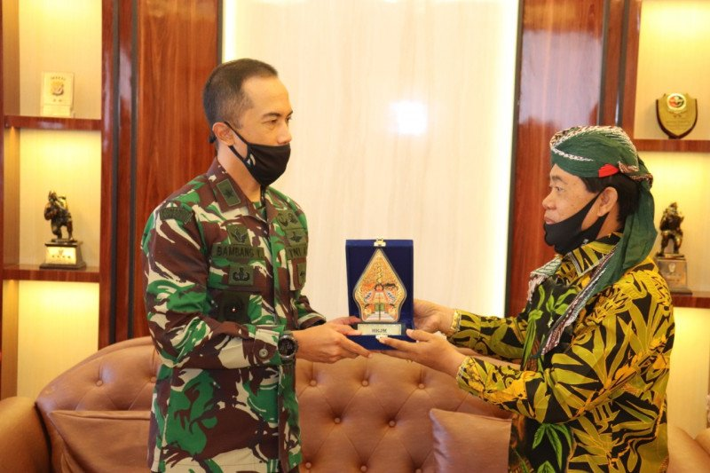 Kasdam XVII/Cenderawasih ajak HKJM Papua ikut cegah pandemi COVID-19