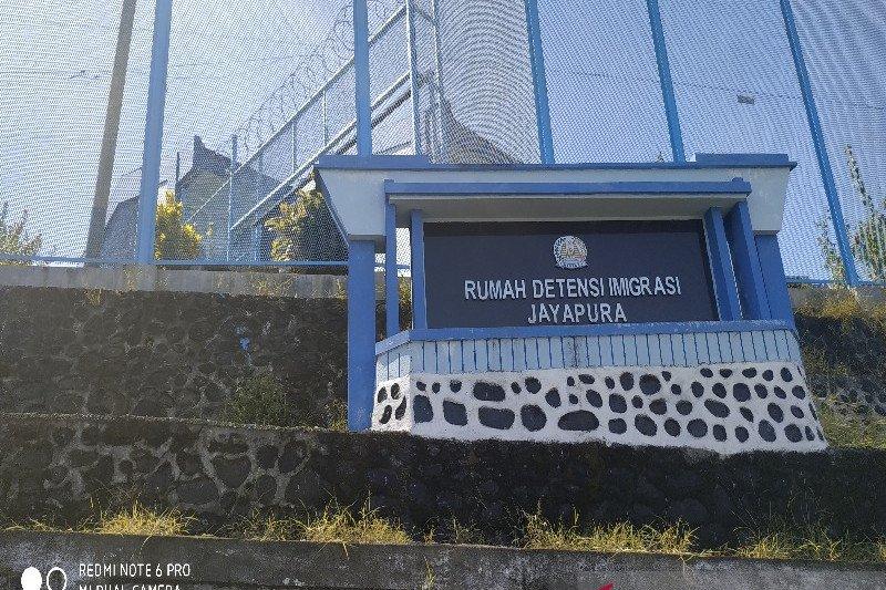 Kantor Imigrasi Jayapura pulangkan 30 WNA asal PNG melalui PLBN Skouw