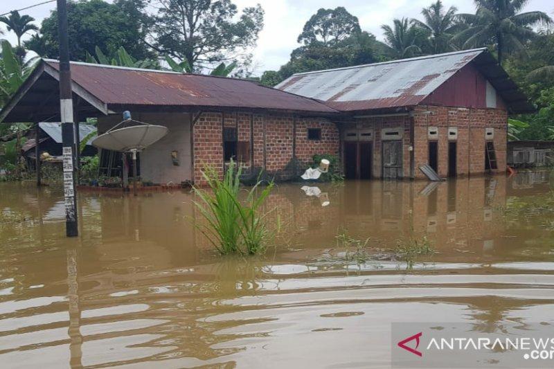 Ratusan rumah di Sorong terendam banjir