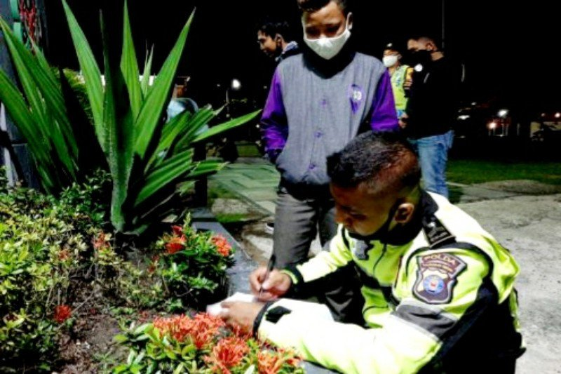 Sejumlah pemuda diamankan saat pemberlakuan PSBB di Kapuas
