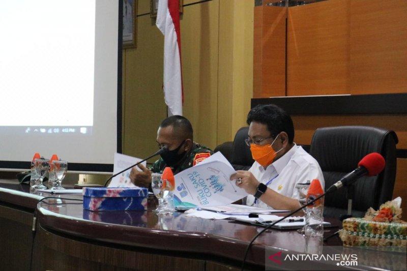 Banjar publishes COVID-19 pocketbook in Banjar language