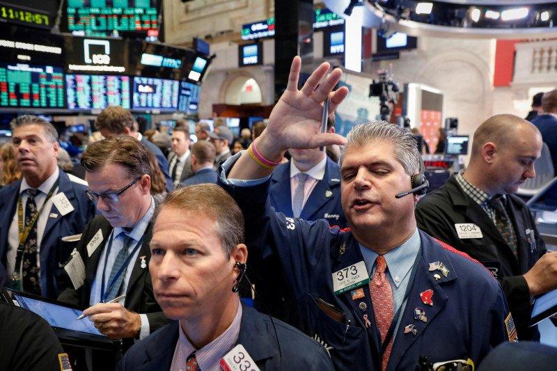 Wall Street AS melonjak