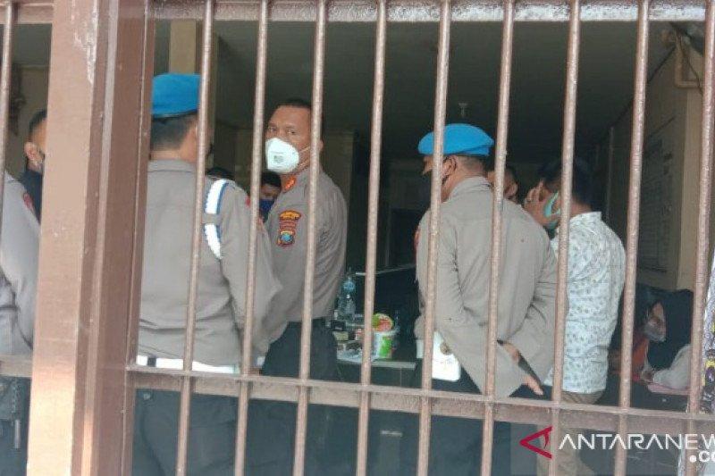 Modus oknum polisi selundupkan sabu-sabu ke tahanan pura-pura mengantarkan makanan