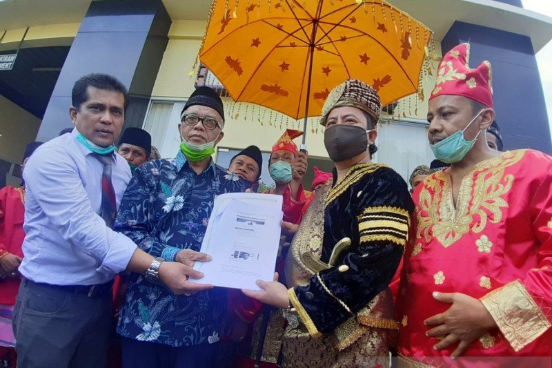 Warga laporkan Ade Armando dugaan cemarkan nama baik masyarakat Minangkabau melalui medsos