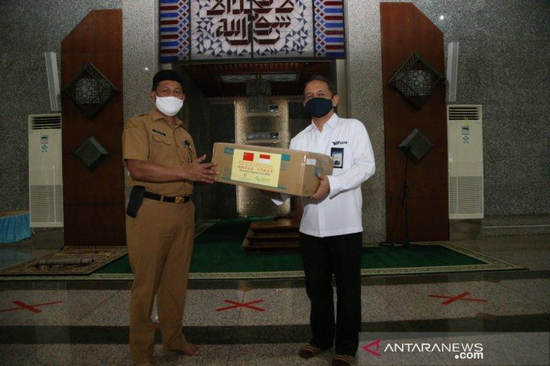 BP Batam serahkan bantuan masker untuk dua masjid
