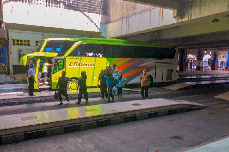 Terminal Giwangan kembali diramaikan bus dari wilayah yang akhiri PSBB
