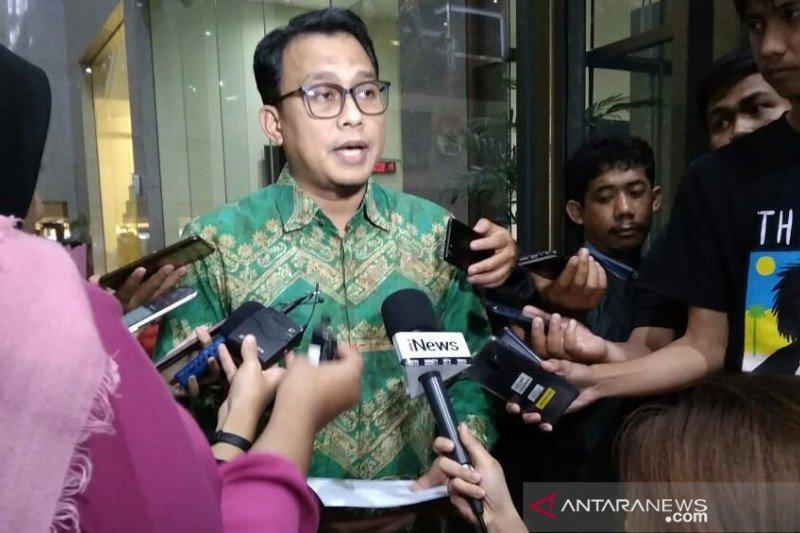 KPK sita sejumlah tas dan sepatu terkait kasus suap Nurhadi