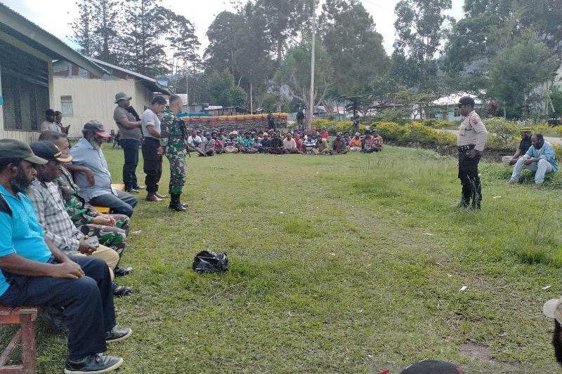 Aparat TNI-Polri kawal perdamaian adat kasus pembunuhan di Tolikara
