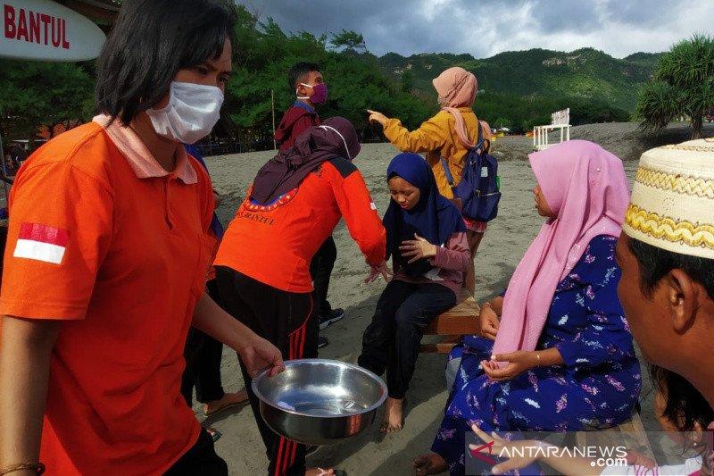 Wisatawan Pantai Parangtritis Bantul tersengat ubur-ubur