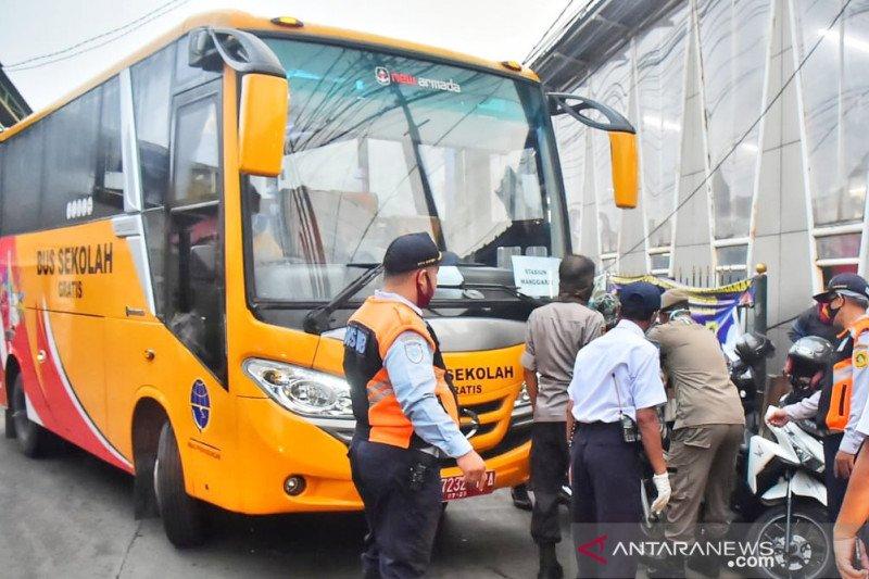 1.145 pengguna moda KRL beralih ke bus
