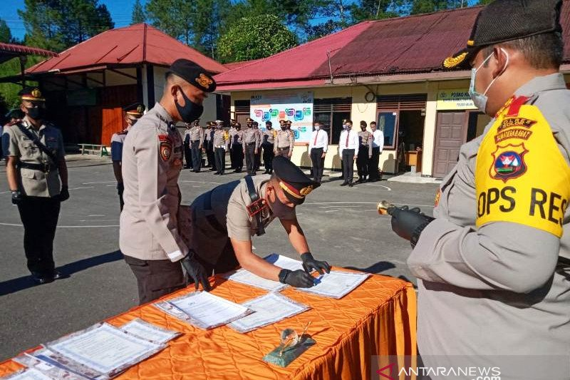 Empat pejabat di Polres Solok dimutasi