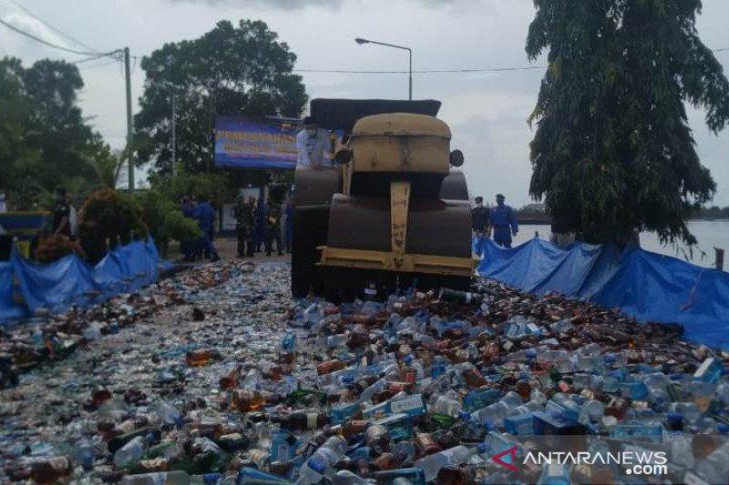 Polda Babel musnahkan 9.611 minuman keras senilai Rp6,8 miliar
