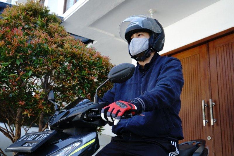 Mau aman, ini tips untuk pengendara motor di era normal baru