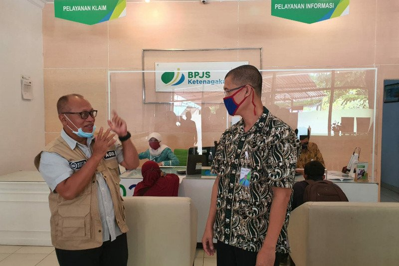 Kantor Cabang Perintis Bpjamsostek Kebumen Pun Sukses Terapkan Lapak Asik Offline Antara Jateng