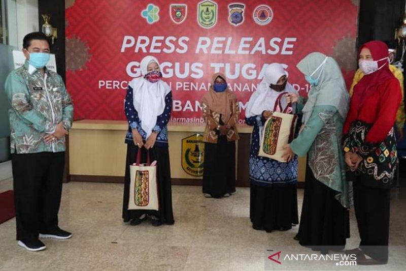 730 guru TK/PAUD honorer di Banjarmasin dapat bansos COVID-19