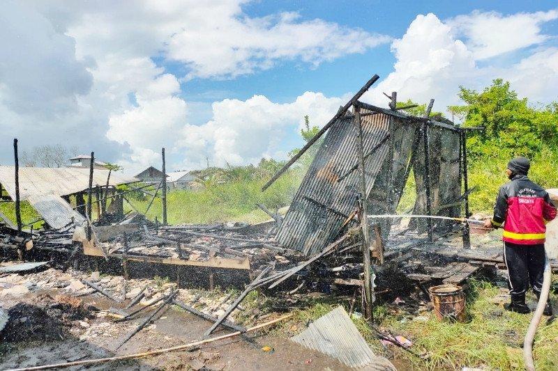 Bocah 10 tahun selamatkan adik bayi saat rumahnya terbakar
