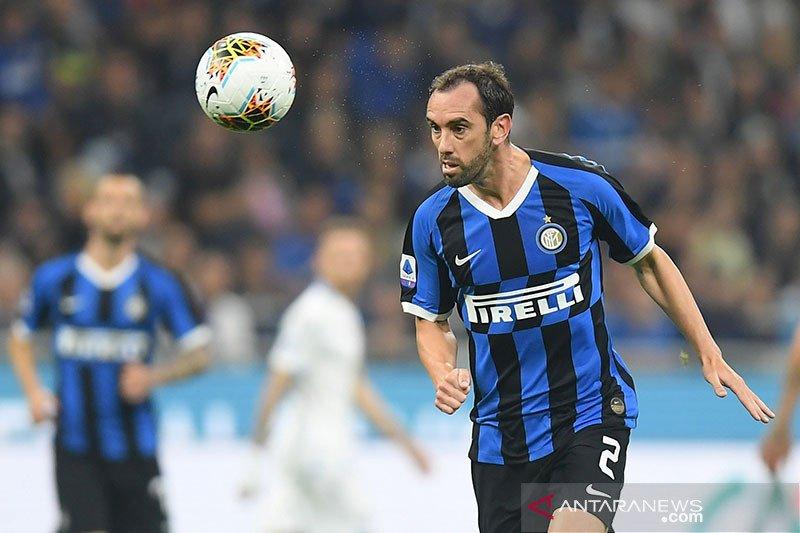 Diego Godin tegaskan tak akan hengkang dan masih bahagia di Inter