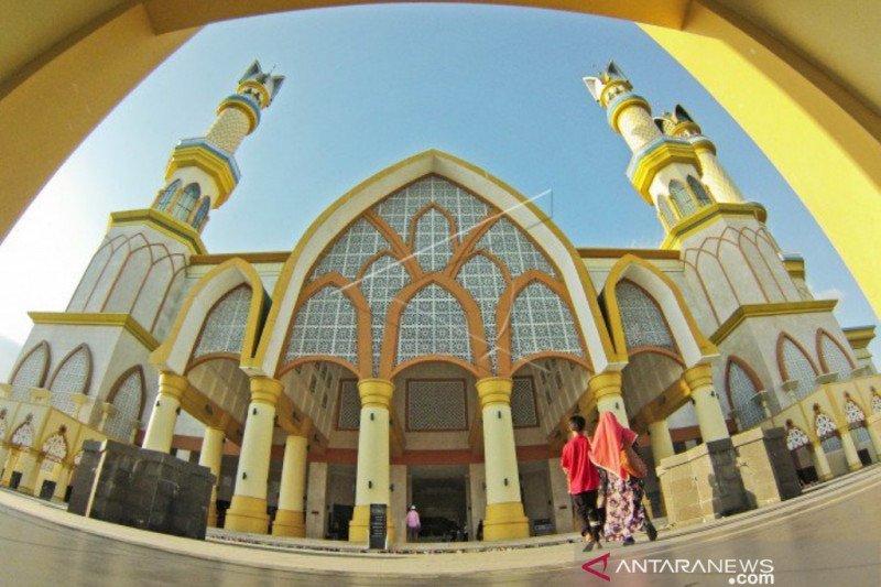 Islamic Center  ini  dinobatkan sebagai masjid terbaik tingkat nasional