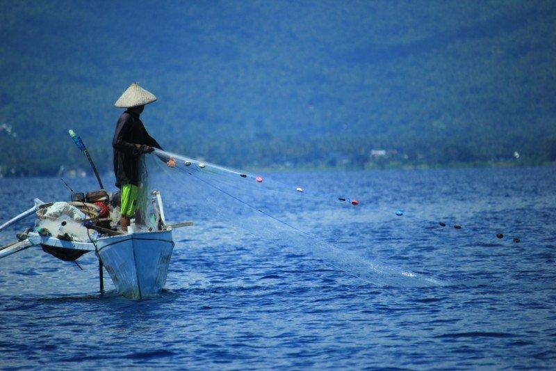 Menteri KKP ajak nelayan bantu jaga sumber daya laut nasional