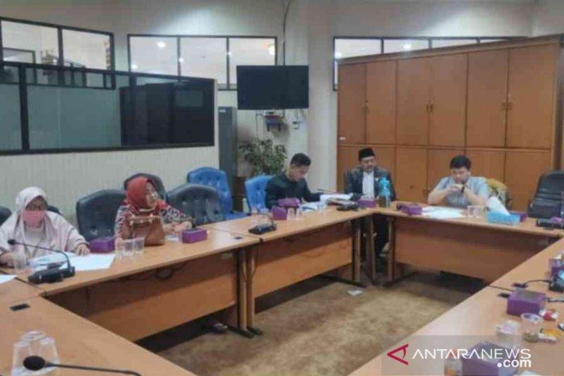 DPRD minta Pemkab Bekasi evaluasi distribusi bantuan COVID-19