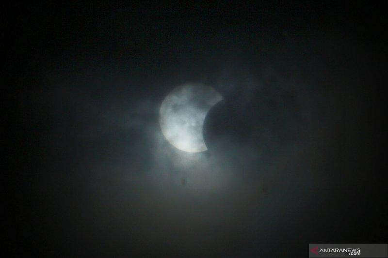 Lapan: Gerhana matahari cincin bertepatan fase bulan baru 10 Juni