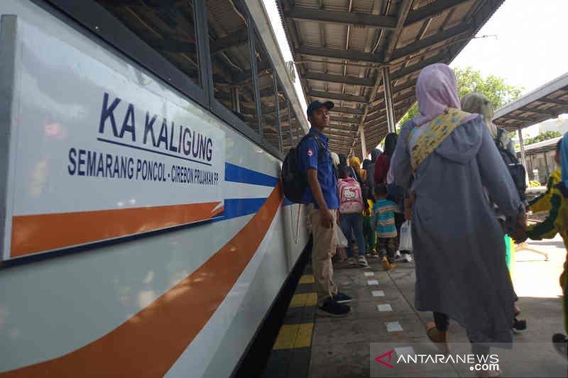 KAI Cirebon naikkan harga tiket kereta komersial 40 persen
