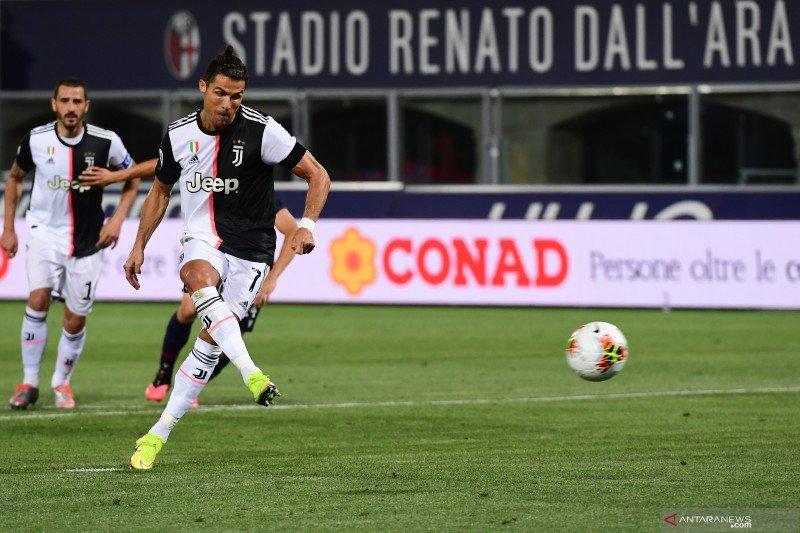 Taklukkan Bologna 2-0,  Juve unggul empat poin di puncak klasemen