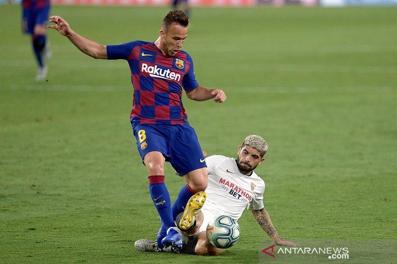 Juventus boyong Arthur dari Barcelona