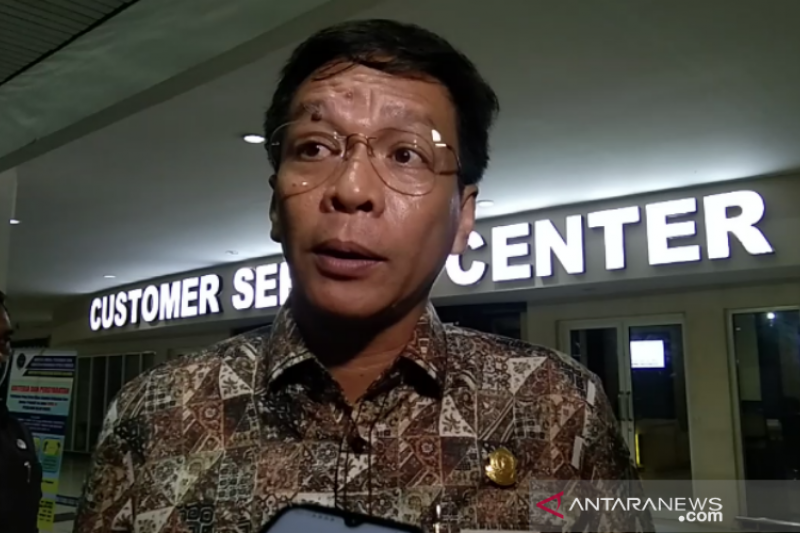 Ketua DPRD Sultra cek langsung dokuman TKA di Bandara Haluoleo Kendari