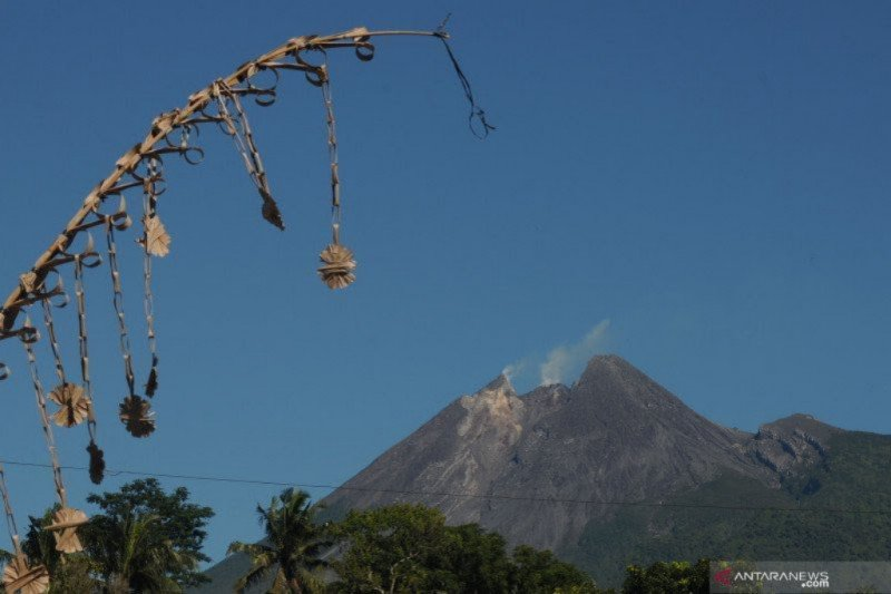 Enam kali gempa guguran di Gunung Merapi