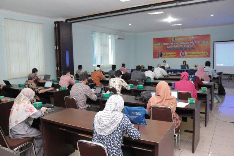 Kampus IIB Darmajaya: Penyusunan kurikulum, mahasiswa diberi kemudahan