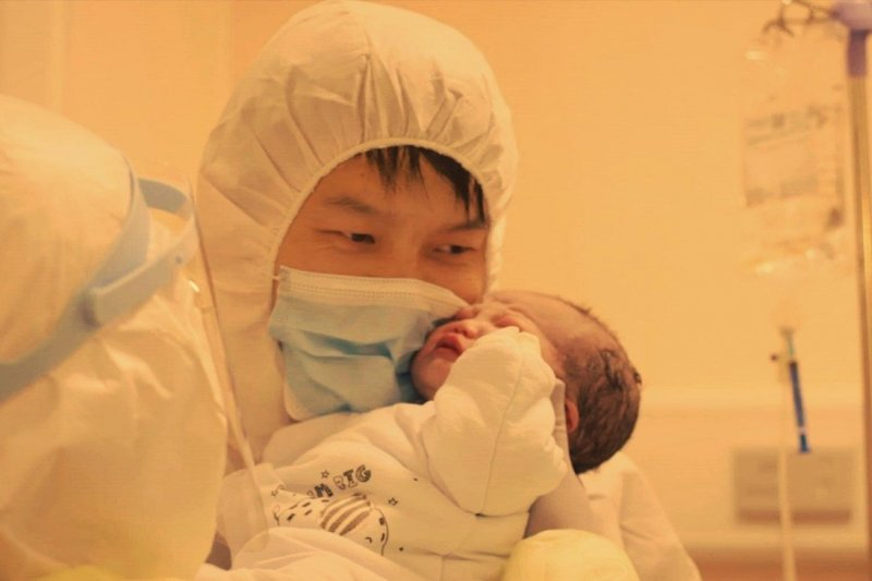 Donnie Yen memproduseri film dokumenter COVID-19