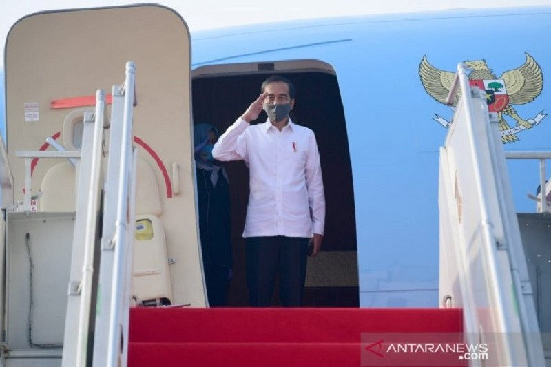Presiden Jokowi tinjau Posko COVID-19 Jateng