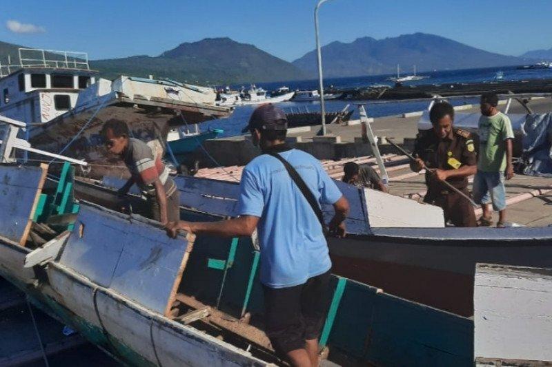 Dua kapal nelayan kasus bom ikan di Flores Timur dimusnahkan