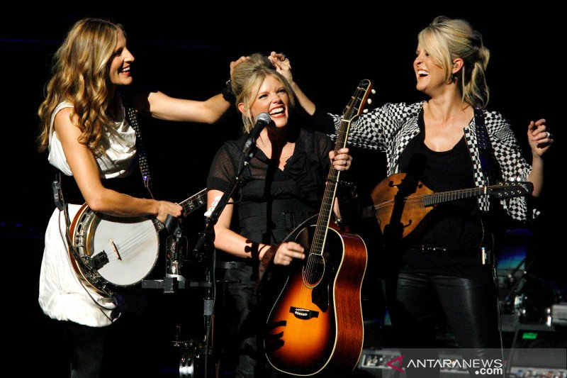 Dixie Chicks berganti nama menjadi The Chicks