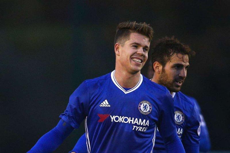 Chelsea memperpanjang kontrak Marco van Ginkel