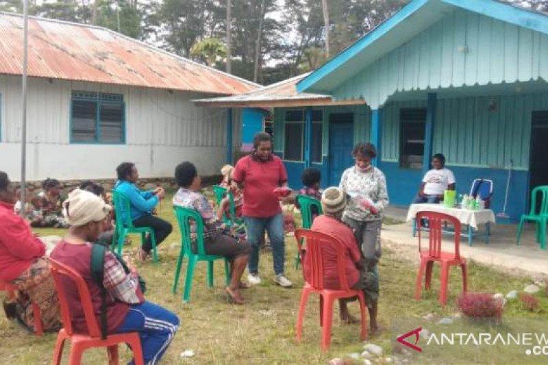 Yayasan Humi Inane Jayawijaya gelar bazar makanan siap saji