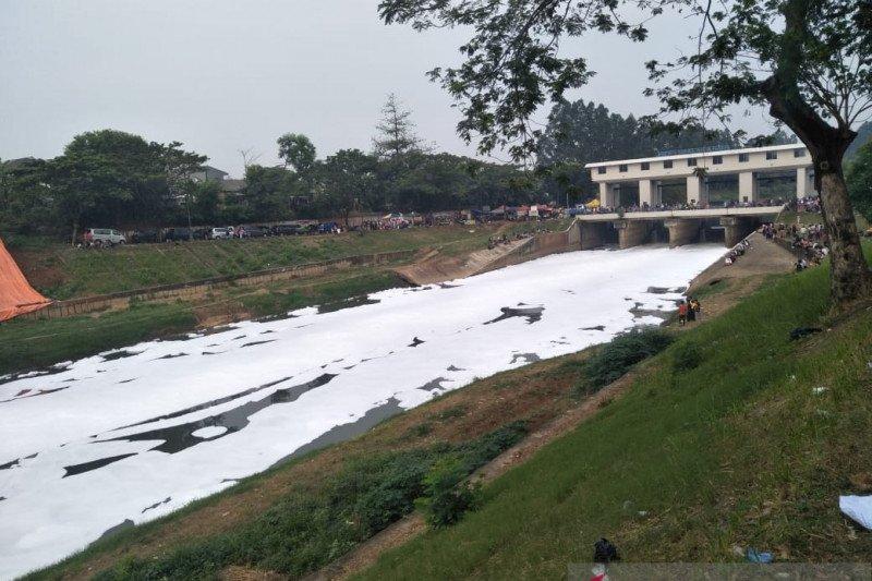"Sungai ""bersalju"" jadi pemandangan unik peserta CFD BKT"
