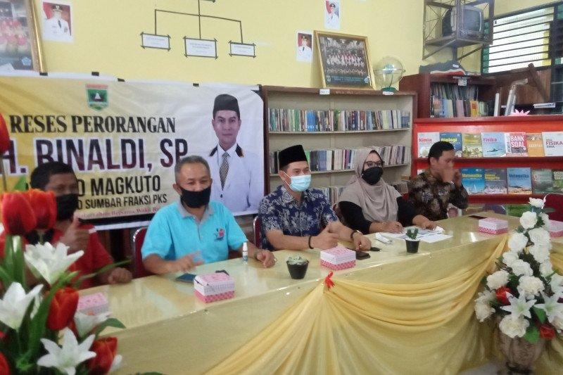 Reses anggota DPRD Sumbar, SMAN 1 Tanjungraya Agam minta dibangunkan pustaka dengan pemandangan Danau Maninjau