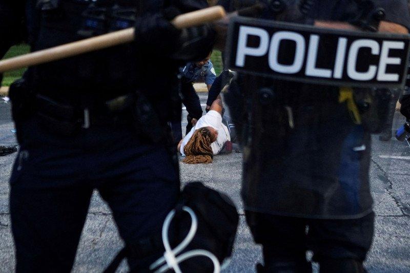 Donald Trump: 'lebih banyak orang kulit putih' terbunuh oleh polisi AS