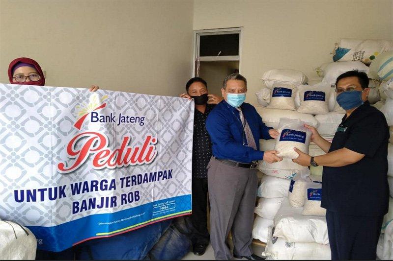 Peduli rob, Bank Jateng salurkan bantuan beras 5.000 kg