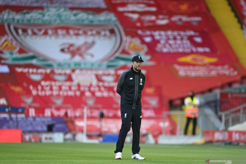 Jurgen Klopp minta suporter Liverpool menunda perayaan gelar juara