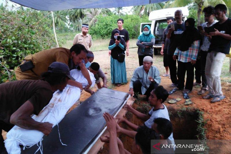 Korban kapal tenggelam di Laut Natuna dimakamkan