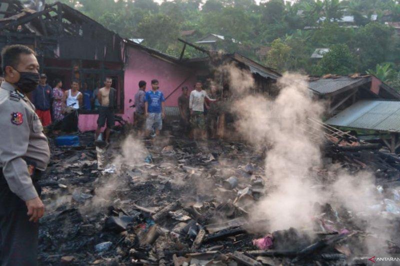 Polres Cianjur selidiki penyebab kebakaran tiga rumah warga