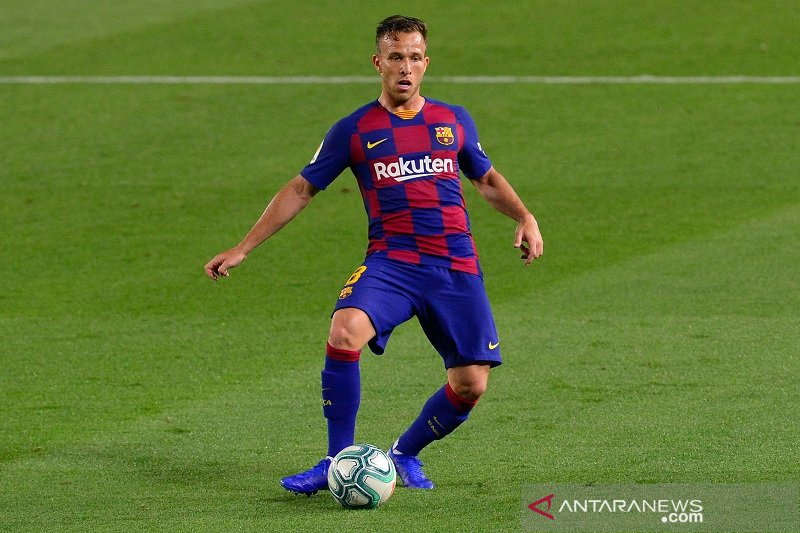 Barcelona dan Juventus sepakat tukar tambah Arthur Melo dengan Miralem Pjanic