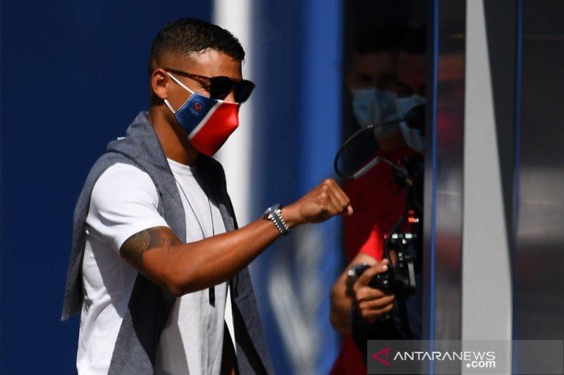 PSG kontrak Thiago Silva hingga akhir musim