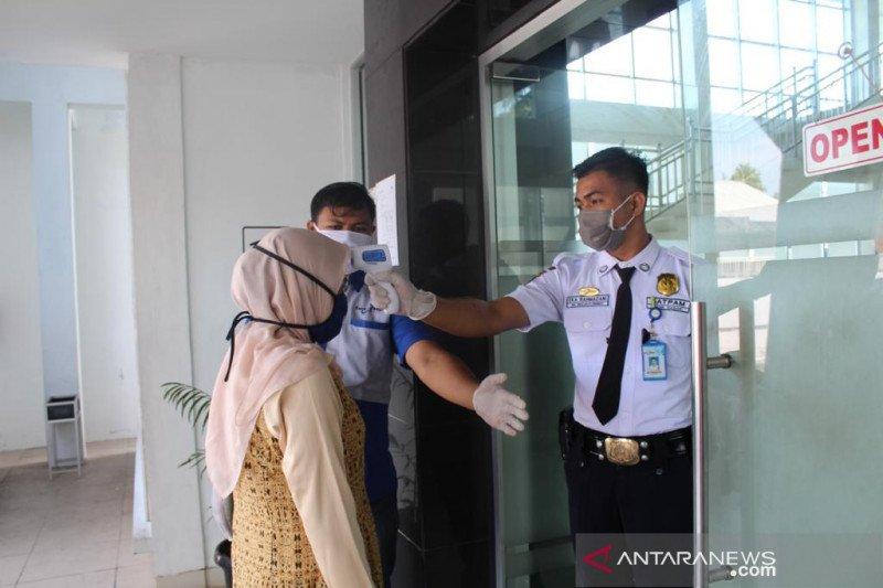 Bank Nagari Simpang Empat pertegas protokol kesehatan bagi nasabah diera normal baru COVID-19